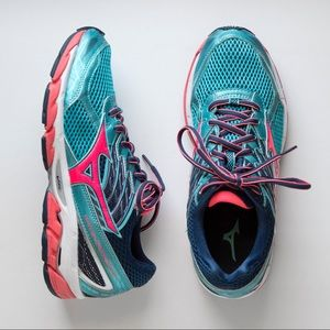 Mizuno Wave Paradox 3 Running Shoes